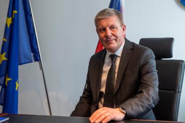 Hivatalba lépett az új egészségügyi miniszter, köszönetet mondott mindenkinek, aki harcol a járvány ellen