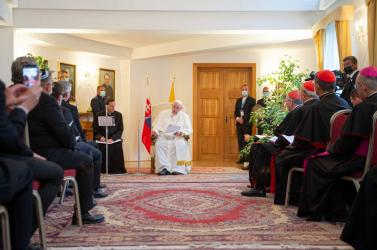 Ferenc pápa már az Apostoli Nunciatúrán van, ökumenikus találkozón vesz részt