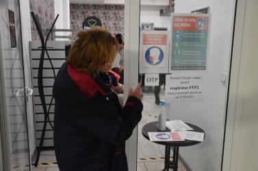 Egyre csak romlik a járványhelyzet Szlovákiában, október végére naponta háromezer fertőzöttel lehet számolni