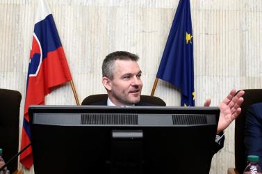 Elfogadta a programnyilatkozatot az újonnan kinevezett kormány