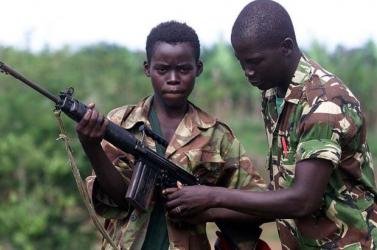 ENSZ: Több ezer gyerekkatonát toboroztak tavaly világszerte, közülük nagyon sokan meghaltak