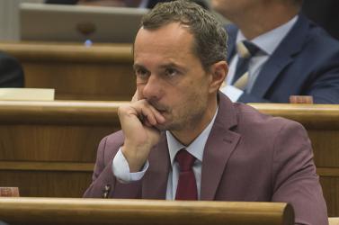 Procházka végleg eláshatja magát, nem kap munkát Luxemburgban