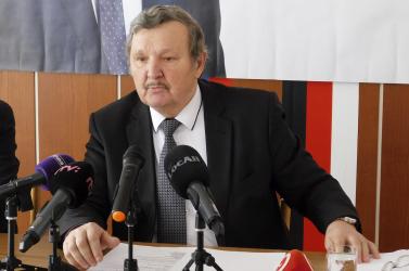 A ĽSNS-nek hátat fordító rimaszombati polgármester Messihez hasonlította magát, a Sme rodinában köthet ki