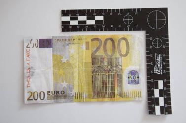 Ennél amatőrebb módon talán még soha nem gyártottak hamis eurót! (FOTÓ)
