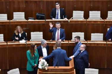 Parlamenti cirkusz: Dankóék túljártak Beblavýék eszén, elkezdődött a rendkívüli ülés (VIDEÓ)