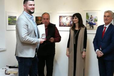 A Nemzet-Közti Magyar Fotószalon című tárlat csodaszép fotói díszítik a dunaszerdahelyi Gallery Nova kiállítótermeit