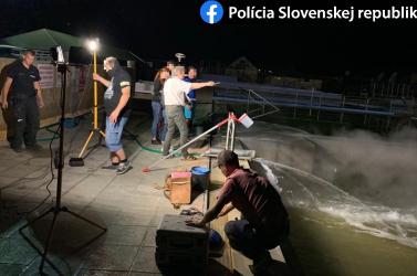 Razziázik a rendőrség a termálfürdőben, fennáll a környezetszennyezés gyanúja (FOTÓK)
