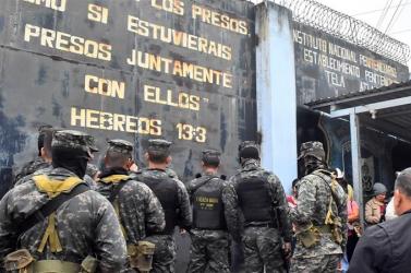 Sok rab meghalt egy börtönben kitört tömegverekedésben