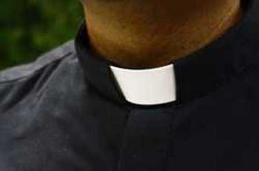 Gyermekmolesztáló papok nevét hozták nyilvánosságra