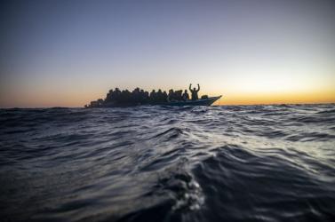Nyolcszáznál több menekült kelt át szombaton a La Manche csatornán, ami napi rekord