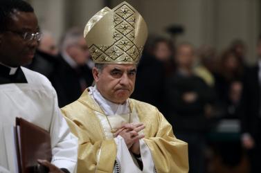 Korrupciós ügy miatt mondhatott leegy befolyásos vatikáni bíboros