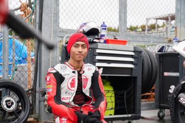 Szörnyű: Halálos balesetet szenvedett versenyzés közben egy fiatal motoros