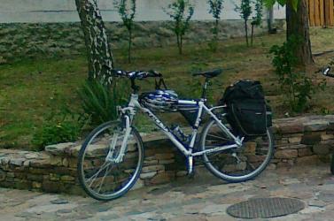 Videón a tolvaj, aki ellopott egy kerékpárt Dunaszerdahelyen