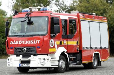 Gázrobbanás volt egy tízemeletes lakóházban Magyarországon