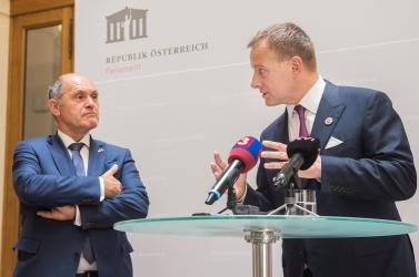 Kollár és Sobotka szerint együtt kell működni a koronavírus leküzdése érdekében