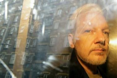 CNN: Assange 2016-ban Londonból irányította a beavatkozást az amerikai választásokba