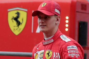 Édesapja 2004-es Ferrarijával tart bemutatót Mick Schumacher a Forma-1-es Német Nagydíjon