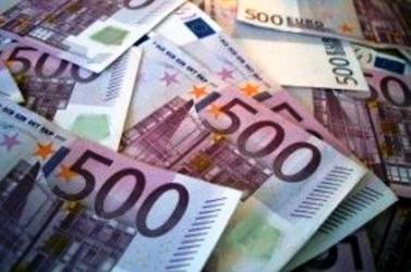 Menesztették magas rangú pozíciójából a férfit, aki 300 ezer eurót hagyott a benzinkúton