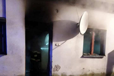 Tűz pusztított egy családi házban Lakszakállason