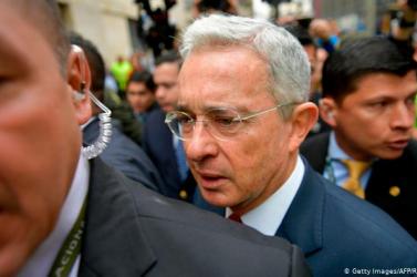 Házi őrizetbe helyzeték a volt kolumbiai elnököt