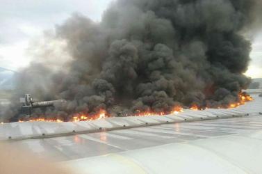 Tűz ütött ki a gyártócsarnokban, megsérült egy ember (FOTÓK)