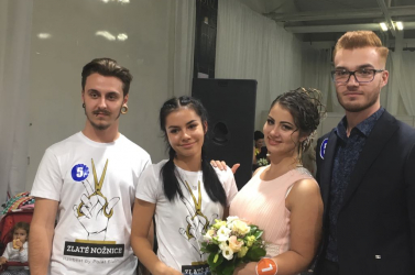 Dunaszerdahelyi diákok sikere az Aranyolló rangos fodrászversenyen – FRISSÍTVE!
