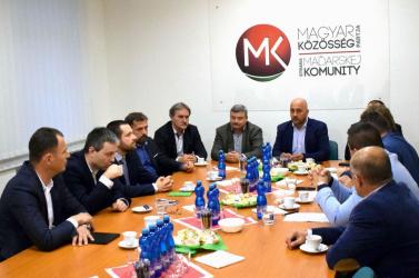 A Híd nélkül alakul a szlovákiai magyar egység, már csak három párt jelent meg a tárgyaláson