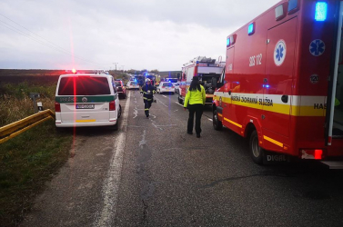 Megrázó videót közölt a rendőrség a tragikus buszbaleset helyszínéről