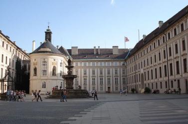 Cseh államfők festményeiből nyílt kiállítás Prágában