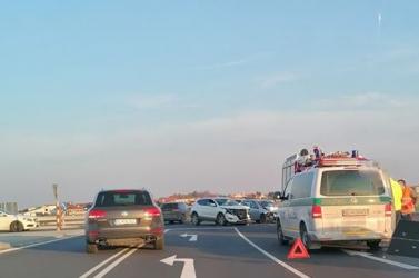 BALESET: Két személykocsi ütközött Csallóközcsütörtök közelében
