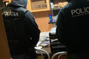 Feketemunkásokat alkalmazó embercsempészeket fogtak el a Galántai járásban (FOTÓK)