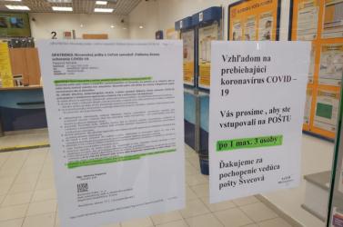 Már Dunaszerdahelyen is korlátozzák a kliensek belépését a postára