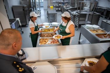 Ingyenes lett a gyerek ebédje, csak előtte ki kell fizetni! – Körképünk a Dunaszerdahelyi járásból