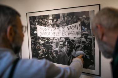 """""""Sohasem a demokrácia a hibás, mert a demokrácia nem egy személy"""" – A bársonyos forradalomról Dunaszerdahelyen"""