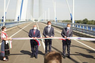 Komáromnál átadták az új hidat: Orbánt már más érdekli, Matovič meg felidézte Trianont