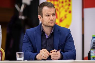 Petíciót indítottak Holényi Gergő leváltására Nagymegyeren!