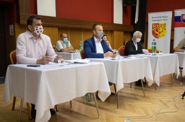 Feljelentést tett a nagymegyeri főellenőr az izsapi kinyomóvezetéknél kiszámlázott költségek miatt