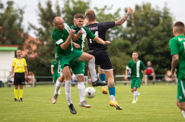 Nyugat-szlovákiai V. liga, Déli csoport, 12. forduló: Vendégként nagyot buktak a nagymagyariak, pironkodnak apozsonyeperjesiek, illésházaiak és a csenkeiek