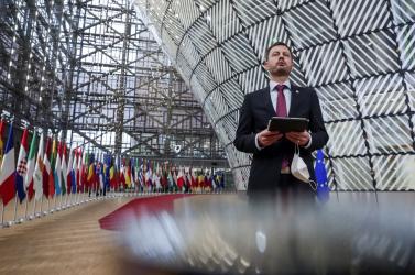 Heger is ott lesz a parlamentben, amikor a szupertitkos találkozót fogják a képviselők kivesézni