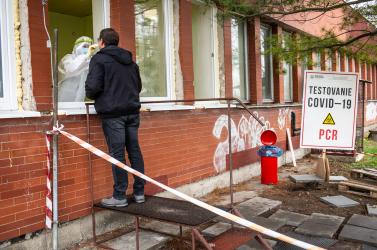 Zajlik a tömeges tesztelés Nagyszombat megyében, a galgóci polgármester utoljára hajlandó megrendezni
