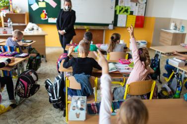 A miniszter üzent a tanároknak: Aki teheti, oltassa be magát!