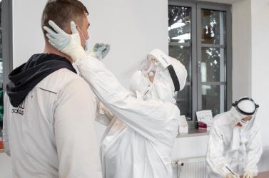 Tesztelés: Megugrott a fertőzöttek száma Vízkeleten és Negyeden, nem bír csökkenni Nádszegen és Jókán