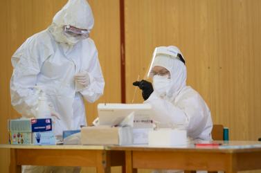 Tesztelés: Egyházkarcsán lesz a járási központ, Nyékvárkonyban vége az önkormányzati lockdownnak, Nádszeg ismét összefogott