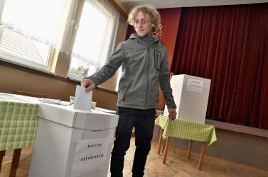 Szepsiben egyforma mértékben szavaznak idősek és fiatalok