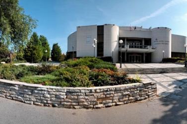 Botrányos pályázat után kaphat új igazgatót a Jókai Színház