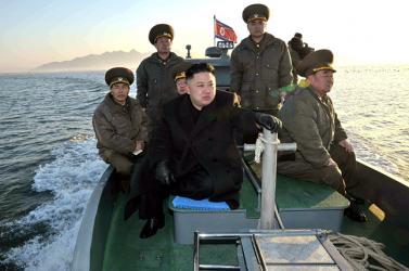 Csúcsfegyverekről dicsekedett Kim Dzsong Un, hogy a frászt hozza Amerikára!