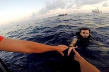 Több tucat embert mentettek ki a tengerből a marokkói hatóságok, de többen meghaltak