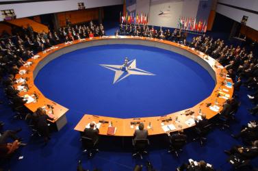 A NATO kibővíti iraki kiképző misszióját