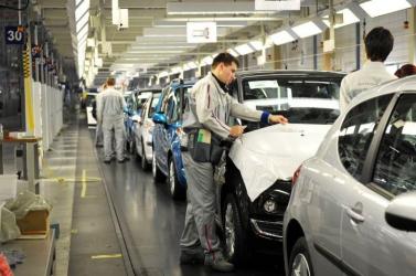 Húsvét után sem kezdi újra a termelést a nagyszombati PSA autógyár