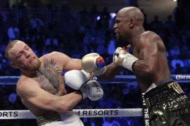 Mayweather technikai KO-val legyőzte McGregort